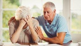 Přes 90 tisíc důchodců má pak na krku ještě exekuci