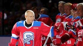 Ruský prezident Putin během exhibičního hokejového zápasu