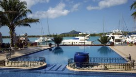 Krejčíř si žil na Seychelách v luxusu.