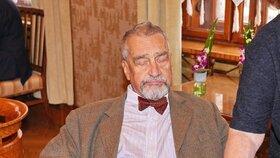 Karel Schwarzenberg se po dlouhém pobytu v nemocnici objevil na veřejnosti (17. 5. 2019)
