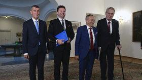 Na Pražském hradě se konala další schůzka k zahraniční politice. Účastnili se jí prezident Miloš Zeman, předseda Senátu Jaroslav Kubera (ODS), předseda Sněmovny Radek Vondráček (ANO) a předseda vlády Andrej Babiš (ANO) (22. 5. 2019).