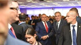 Prezident Miloš Zeman na sněmu Hospodářské komory s jejím šéfem Vladimírem Dlouhým (23.5.2019)