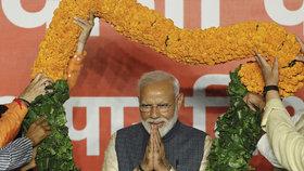 Indický premiér Módí a jeho strana BJP  přehledem zvítězili ve volbách, (24.05.2019).
