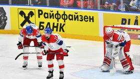 Čeští hokejisté smutní po druhé inkasované brance v utkání o bronz proti Rusku
