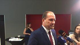 Podle šéfa KDU-ČSL Marka Výborného je schválené navýšení rodičovského příspěvku v současné podobě diskriminační.