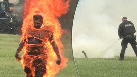 U Bílého domu se pokusil upálit muž, později zemřel na následky svých zranění.