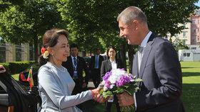 Český premiér Andrej Babiš (ANO) přijal barmskou vůdkyni Su Ťij (3. 6. 2019)