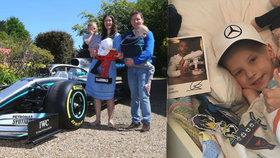 """Chlapeček (†5) zemřel na rakovinu: """"Zázračný andílek"""", přezdíval ho jezdec F1 Hamilton."""