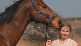 Iva nešťastně upadla z koně. Pád jí jednou pro vždy změnil život.