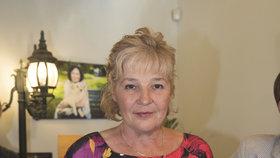 Iva Volková, autorka knihy Příběhy statečných, chce získat milion korun pro nemocné psy