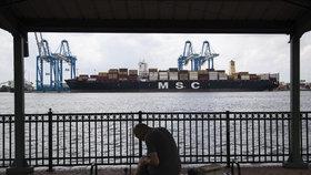 Americké úřady na lodi v přístavu ve Filadelfii zabavily zhruba 16,5 tun kokainu.