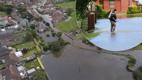 Britové se připravují na další přívalové deště, ty poslední zaplavily historické město Wainfleet.