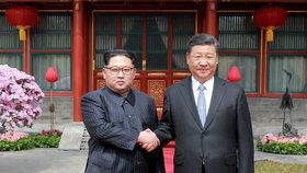 Čínský prezident Si Ťin-pching zahájil návštěvu KLDR, (20.06.2019).