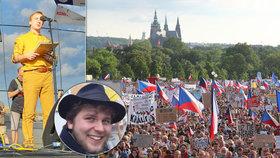 Mikuláš Minář je demonstrantem na plný úvazek