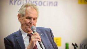 Prezident Miloš Zeman druhý den své oficiální návštěvy Vysočiny debatoval s občany obcí Vladislav a Kadolec na Žďársku (26.6 2019)