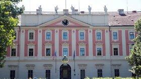 Krásná fasáda Invalidovny ukrývá téměř 300 let historie.
