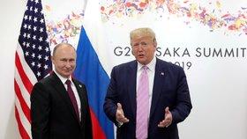 Lídři dvou světových velmocí: Donald Trump a Vladimír Putin na summitu G20