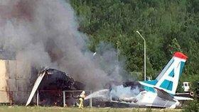 Havarované letadlo po nehodě v Texasu: Na palubě nikdo nepřežil