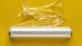 V každodenním životě se setkáváme se spoustou plastů. Řada z nich obsahuje záhadné látky, které jsou toxické.