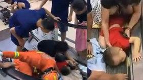 Dítěti se zasekla ruka v eskalátoru
