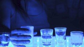 Vědci přišli na to, že abstinenti jsou na tom zpravidla lépe s duševním zdravím.