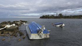 Poničené pláže, šest mrtvých osob. Bouře pustošila řecký poloostrov Chalkidiki (11. 7. 2019).