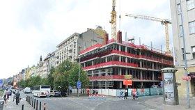 Výstavba Květinového domu, kde Primark bude sídlit, probíhá podle plánu a žádná zdržení nejsou