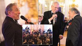 Prezident Miloš Zeman a zpěvák Karel Gott společně na Hradě