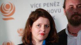 Ministryně práce a sociálních věcí Jana Maláčová během tiskové konference po jednání Předsednictva ČSSD (15. 7. 2019)