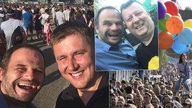 Michal Šmarda a Antonín Staněk společně zapózovali na festivalu Colours of Ostrava. Šmarda se tam potkal i s ministrem Petříčkem (všichni ČSSD).