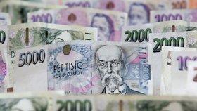 Finanční úřady vybraly v pololetí na dani z přidané hodnoty (DPH) 200,1 miliardy korun, meziročně o 5,6 miliardy korun více. Na dani z příjmu právnických osob stát vybral o 5,9 miliardy více, celkem 99,1 miliardy korun.