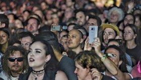 Koncertem legendárních The Cure vyvrcholil největší tuzemský festival Colours of Ostrava