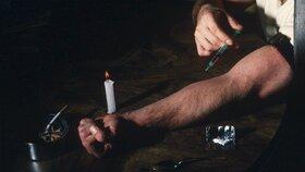 Dominik (45) propadl drogám už za totality(ilustrační foto)