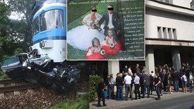 Pohřeb rodiny, která tragicky přišla o život po střetu s vlakem na přejezdu v Černožicích.