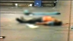 Tělo mrtvého policisty, jehož zabil Rus Alexandr Kručinin