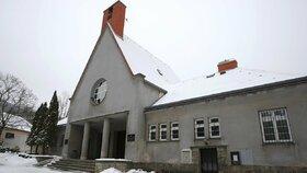 Budova starého krematoria v Ústí nad Labem na Střekově