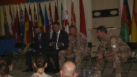 Na konci letošního července navštívil ministr zahraničí Tomáš Petříček (ČSSD) ve vší tichosti české vojáky v Afghánistánu