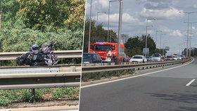 U Mladé Boleslavi se srazila motorka s náklaďákem. Spolujezdkyně na motorce nehodu nepřežila