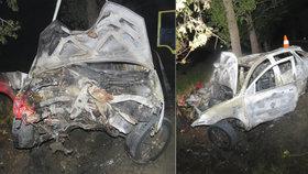 Vážná nehoda v Budějovicích: Auto skončilo na popel spálené.