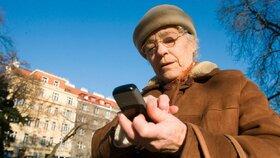 Městské části se snaží spojit seniory s dětmi, studenty nebo mladými rodiči.