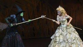 České nastudování slavného muzikálu Čarodějka (Wicked) patří k těm nejvýpravnějším.