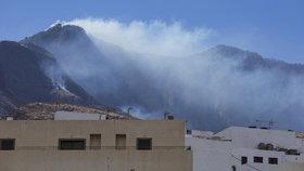Na Kanárských ostrovech probíhá boj s rozsáhlými lesními požáry. (21. 8. 2019)