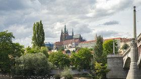 Snímkem z Prahy se snažila americká agentura propagovat Polsko