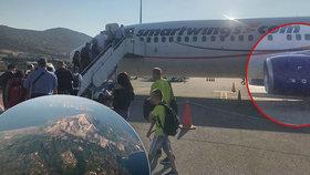 Letadlo Smartwings s nefungujícím motorem