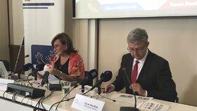 Ministryně financí Alena Schillerová a ministr průmyslu Karel Havlíček (oba za ANO) představují své plány ohledně živnostenského balíčku (27. 8. 2019).