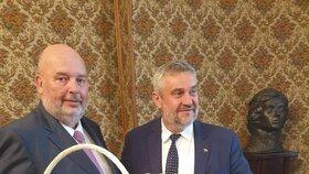 Ministr zemědělství Miroslav Toman (ČSSD) jednal při výjezdu vlády do Polska mj. o bezpečnosti potravi nči africkém moru prasat