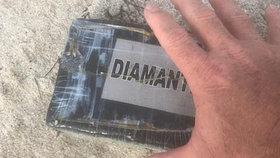 Policie na pláži nalezla kokain za 9,3 milionu korun.
