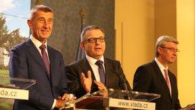 Premiér Andrej Babiš (ANO), ministr kultury Lubomír Zaorálek (ČSSD) a ministr průmyslu a obchodu Karel Havlíček (ANO) na tiskové konferenci po jednání vlády (16.9.2019)