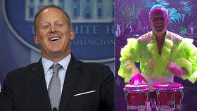 """Bývalý mluvčí prezidenta Sean Spicer se rozvlnil ve """"StarDance"""". Vystoupení """"okořenil"""" hudbou od Spice Girls."""