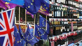 Britové se před brexitem zásobují alkoholem.